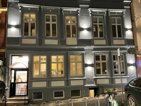 Hølleland Holding AS Øvre Korskirkeallmenningen 4