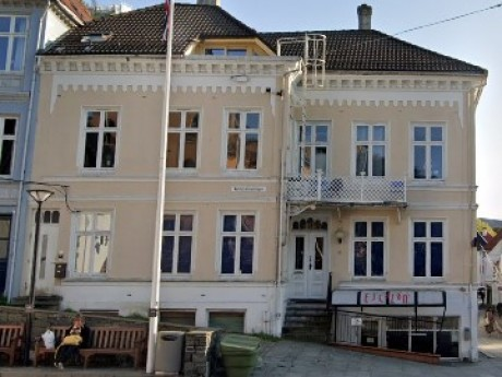 Hølleland Holding AS Vetrlidsallmenningen 21