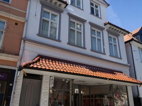 Hølleland Holding AS Strandgaten 76