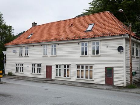 Hølleland Holding AS Sandviksvei 55