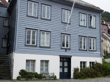 Hølleland Holding AS Nye Sandviksvei 3